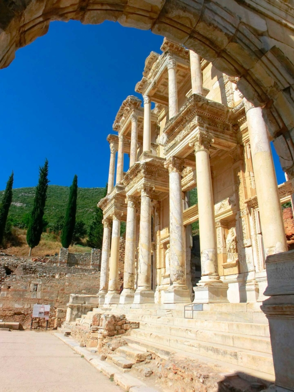 Efeso-celso-biblioteca